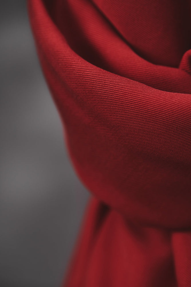 Smooth drape twill tencel Berry