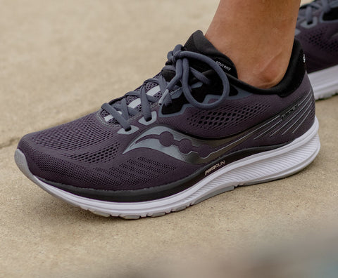 Saucony Ride 13 wide women's shoes charcoal grey
