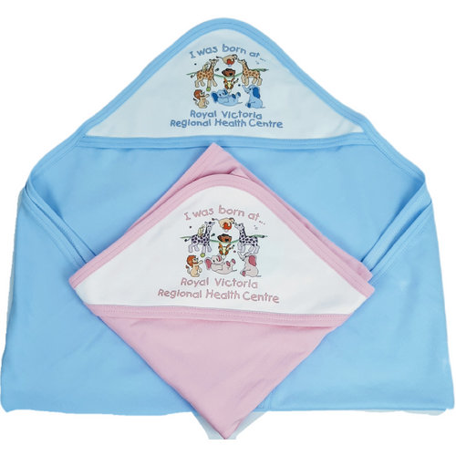 This hooded blanket in soft cotton interlock features a sweet little ark design with