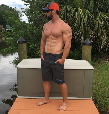 Model is 6'1, 215 lbs, wearing large