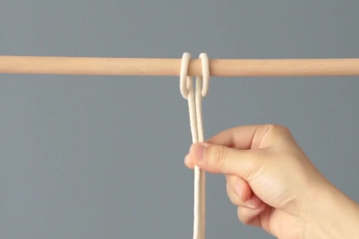 how to tie a Reverse Lark's Head Knot -step 5