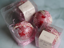 Load image into Gallery viewer, Raspberry Ripple Hot Chocolate bombs
