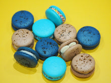 Load image into Gallery viewer, Box of custom Macarons