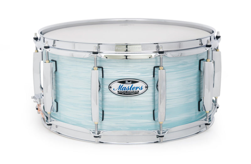 Pearl Masters Maple Complete Snare 14×6.5 in Ice Blue Oyster.