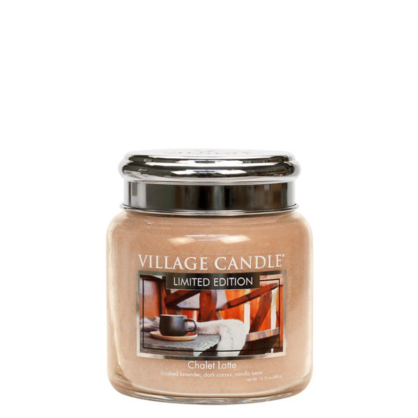 Village Candle Candela Media - Chalet Latte - 454 Gr.