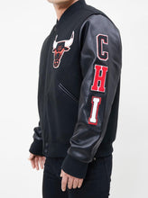 Load image into Gallery viewer, Pro Standard NBA Chicago Bulls Wool Varsity Black Heavy Jacket