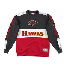Load image into Gallery viewer, Atlanta Hawks Mitchell & Ness Scorer Fleece Crew Sweatshirt