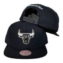 Load image into Gallery viewer, Exclusive Mitchell & Ness Rhinestone Chicago Bulls Black Snapback