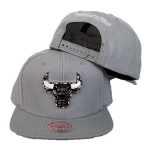 Load image into Gallery viewer, Exclusive Mitchell & Ness Rhinestone Chicago Bulls Gray Snapback