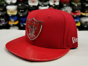 Exclusive New Era 950 Red Metal Badge Shield NFL Oakland Raiders Snapback hat