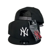 Load image into Gallery viewer, Exclusive New Era Black New York Yankees Changeable Logo 9Fifty Snapback