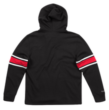 Load image into Gallery viewer, MITCHELL & NESS BLACK CHICAGO BULLS FLEECE HOCKEY HOODIE