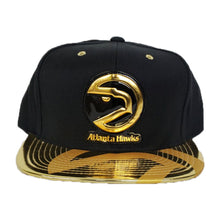 Load image into Gallery viewer, Matching Mitchell & Ness Atlanta Hawks Snapback Hat for Jordan 6 DMP