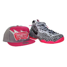 Load image into Gallery viewer, Matching Mitchell & Ness San Antonio Spurs Snapback For Nike Foamposite Pink Elephant Print