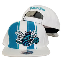 Load image into Gallery viewer, Mitchell & Ness Charlotte Hornets Snapback Hat