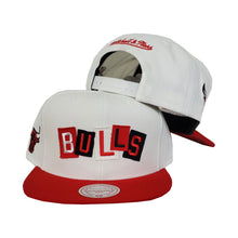 Load image into Gallery viewer, Mitchell & Ness Chicago Bulls Patch Work Red Snapback Hat