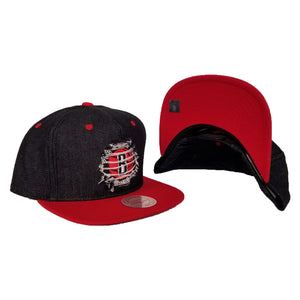 Mitchell & Ness Denim Black / Red Destructed Brooklyn Nets snapback