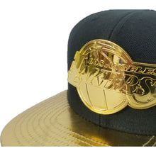 Load image into Gallery viewer, Mitchell & Ness Los Angeles Lakers Black - Gold Metal Logo Snapback