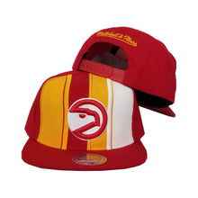 Load image into Gallery viewer, Mitchell & Ness Red / Yellow Atlanta Hawks Snapback Hat