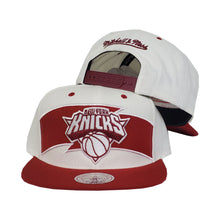 Load image into Gallery viewer, Mitchell & Ness White - Burgundy New York Knicks Snapback Hat
