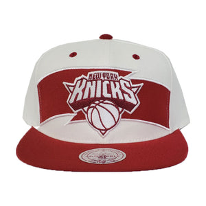 Mitchell & Ness White - Burgundy New York Knicks Snapback Hat