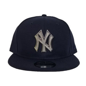 NEW ERA NEW YORK YANKEES SILVER METAL BADGE RHINESTONE 9FIFTY SNAPBACK
