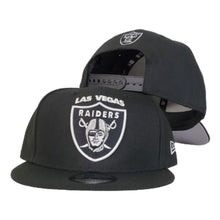 Load image into Gallery viewer, NEW ERA NFL BLACK LAS VEGAS Raiders 9Fifty Snapback
