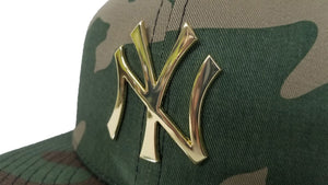 New Era Army Camouflage New York Yankees Gold Metal Badge Snapback hat