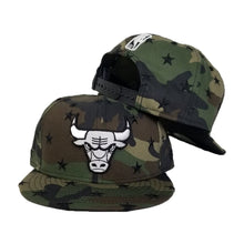 Load image into Gallery viewer, New Era Army Camouflage Star Scatter Chicago Bulls 9Fifty Snapback hat