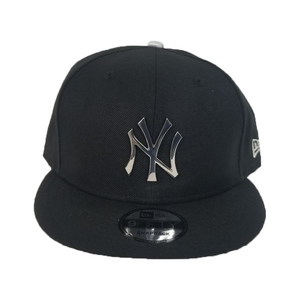 New Era Black New York Yankees Silver Metal Badge Snapback hat