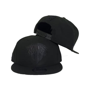 New Era Black On Black New York Knicks 9FIFTY Snapback Hat