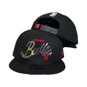 New Era Chicago Bulls Silver Metal Badge Logo 9Fifty Snapback