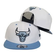Load image into Gallery viewer, New Era Chicago Bulls White / University Blue 9FIFTY Snapback Hat