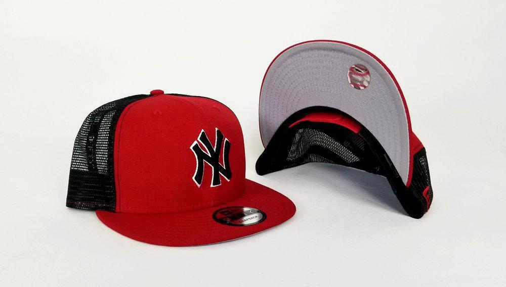 New Era MLB New York Yankees Red and Black Mesh 9FIFTY Snapback Cap