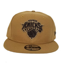 Load image into Gallery viewer, New York Knicks Panama Tan New Era 9Fifty Snapback Hat