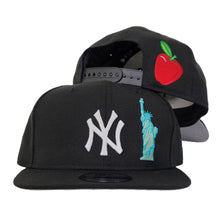 Load image into Gallery viewer, New York Yankees Black Grey Bottom Statue of Liberty New Era 9Fifty Snapback Hat