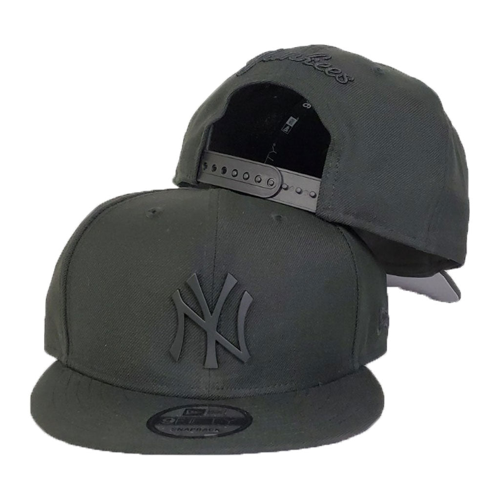 New York Yankees Black Metal Badge New Era 9Fifty Snapback