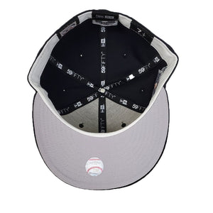 Celebrate the Chicago White Sox 2010 All Star Game with this special commemorative fitted from Exclusive Fitted. The fitted sports the official All Star Game logo used in 2010 on the right side of the cap, just like players wore during the fall classic.
