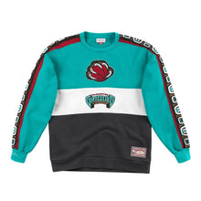 Load image into Gallery viewer, Vancouver Grizzlies Mitchell & Ness Scorer Fleece Crew Sweatshirt