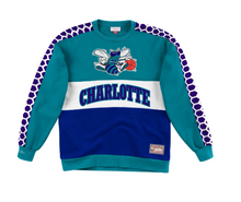 Load image into Gallery viewer, Charlotte Hornets Mitchell & Ness Scorer Fleece Crew Sweatshirt