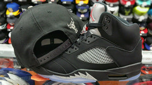 Matching New Era NBA Chicago Bulls 950 snapback for Jordan 5 OG Black Metallic