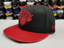 Load image into Gallery viewer, New Era 9Fifty NBA New York Knicks Black / Red Metal Badge Strapback Hat