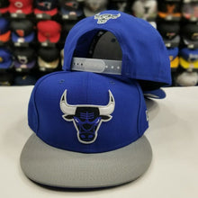 Load image into Gallery viewer, Matching New Era 9Fifty NBA Chicago Bulls snapback Hat for Jordan 5 Royal Blue Suede