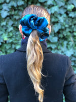 Load image into Gallery viewer, Holiday Scrunchies
