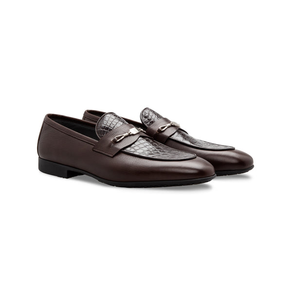 Dark brown Calfskin and fine leather loafer shoes
