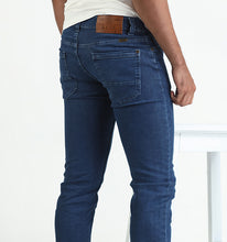 Load image into Gallery viewer, Men's Athletic Fit Jean