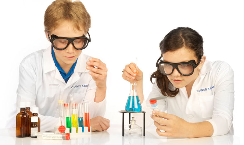 Thames and Kosmos Chem C500 Chemistry Kit
