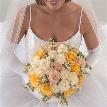 Myeasyflowers-bouquete-light-green-Roseae-ROSAS-ROSES_YELLOW-Roseae-ROSAS-ROSES_LIGHT PINK-Roseae-ROSAS-ROSES_WHITE-bride-wedding-Gypsophila-LLUVIA-BABY BREATH_