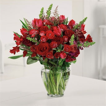 myeasyflowers-Roseae-ROSAS-ROSES_RED-BOUQUETE-Alstroemeria-LIRIO DEL PERU-Astromelia (PERUVIAN LILY)_RED-myeasyflowers--MARGARITA-DAISY_LAVANDER-SNAPDRAGONS-TULIPS