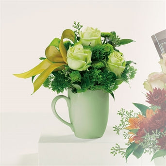 -Roseae-ROSAS-GREEN_TEA-RIBBON-button pompons-Italian ruscus-seeded eucalyptus.